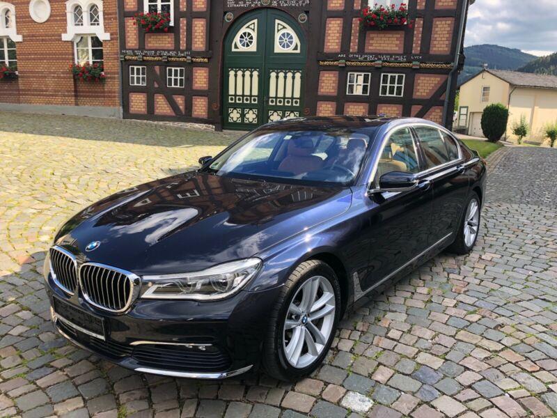 BMW 750d xDrive*VOLL*5xKamera*Adp-LED*AHK*GSD*SoftCl