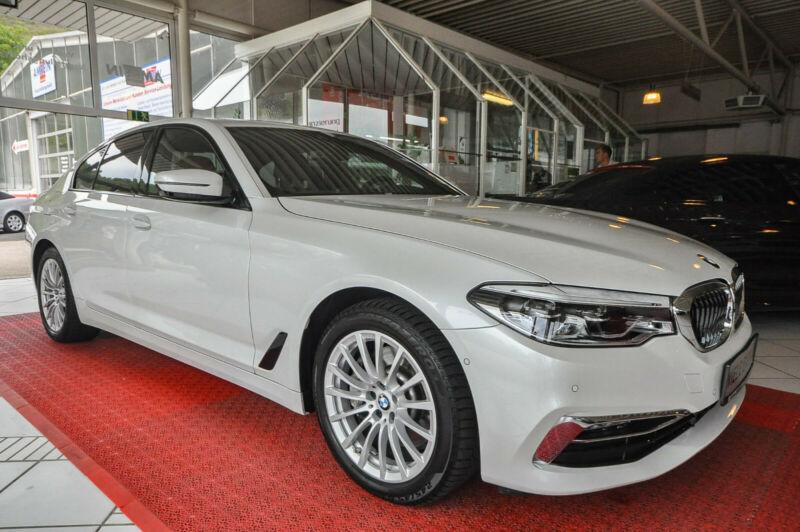 BMW 530d xDrive Sport Line +LED+GSD+HUD+Sitzbelüftun