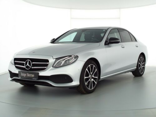Mercedes-Benz E 300 Avantgarde+Navi+SHD+LED-HP+NightP+Totw+RFK